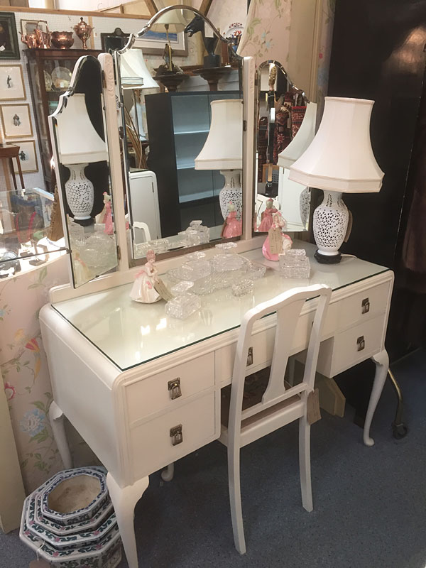 Painted 1930s Dressing Table Spotty Dog Vintage